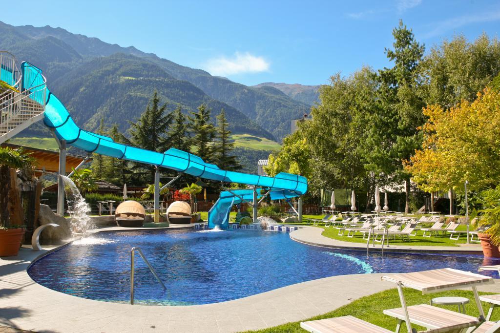 Ihr 4 s kinder und familienhotel in naturns s dtirol for Design wellnesshotel sudtirol
